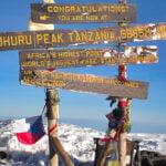 escaladeaza Kilimanjaro